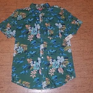 NWT Men's floral button up shirt sleeve shirt